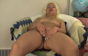 Plump  light-haired paws her  raw cunny