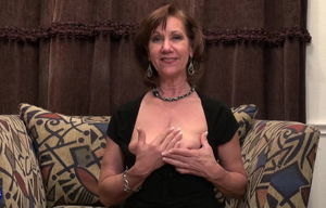 Mature mommy with saggy melons pummels..