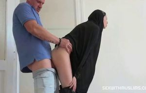 Inexperienced cockslut stepmother does..