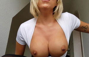 playful ash-blonde gives a quickie