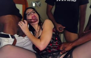 Hoe wifey group-fucked by Big black..
