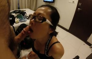Thailand hoe deep-throats man sausage..
