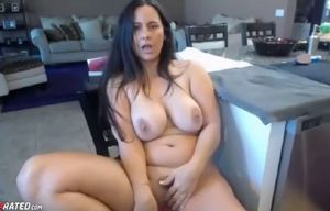 Lush huge-chested mature mummy in..