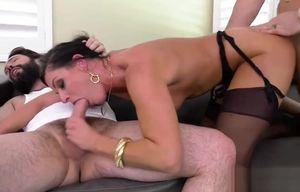 Cougar  Battle Jon Jon Vs India Summer..