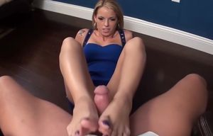 Violet Earns - Footjob