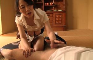 Mature Chinese lady showcases off..