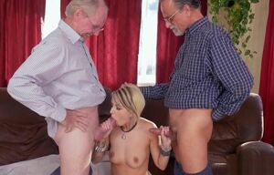 Presley Carter Gives Oral job And..