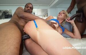 Sophia mercy very first ever big black..